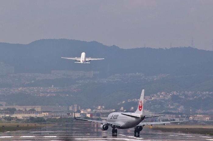 伊丹空港1 (700x463).jpg
