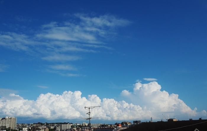 空 (700x444).jpg