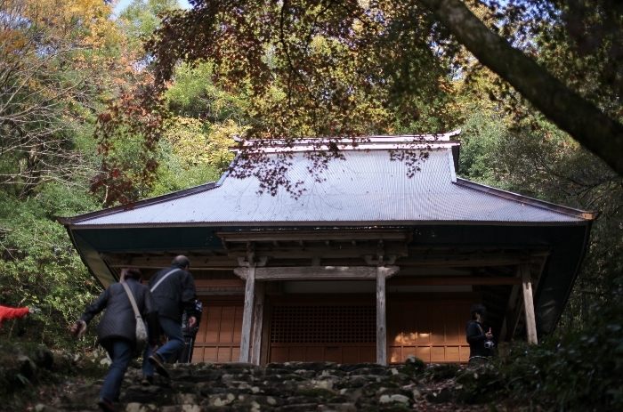 鶏足寺4 (700x463).jpg